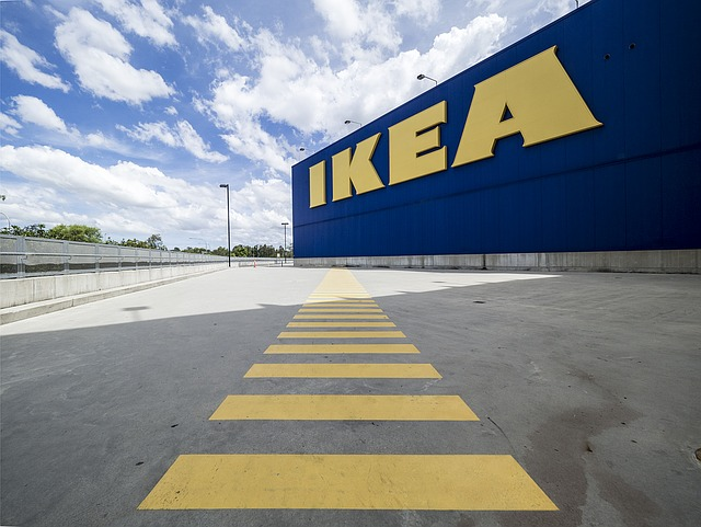 Questions raised over IKEA's Dutch tax affairs - 6 Cats