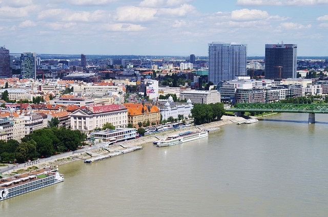 guide to contracting in Slovakia
